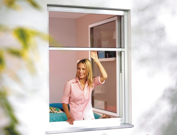 Bequemes, hochwertiges Rollo für Fenster von Insektenschutz Magdeburg